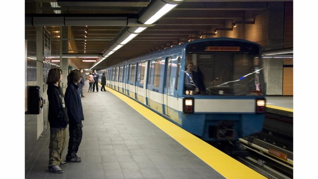 When Should the MR-73 Métro Cars be Replaced?