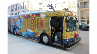 CTA Debuts its Holiday Bus in the 2014 Magnificent Mile Lights Festival