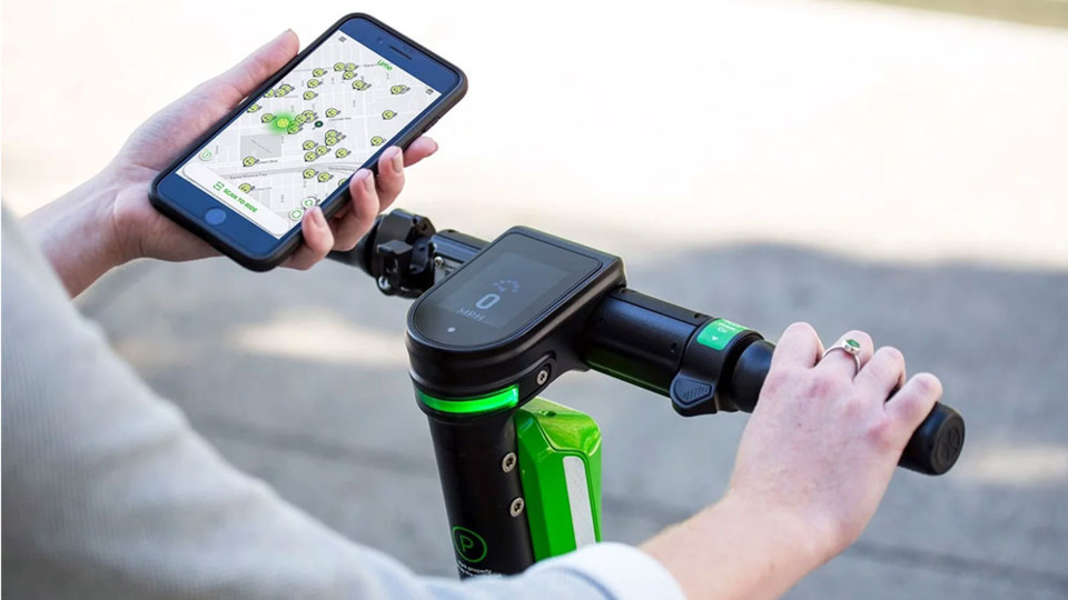 Google Maps can now help you find Lime scooters