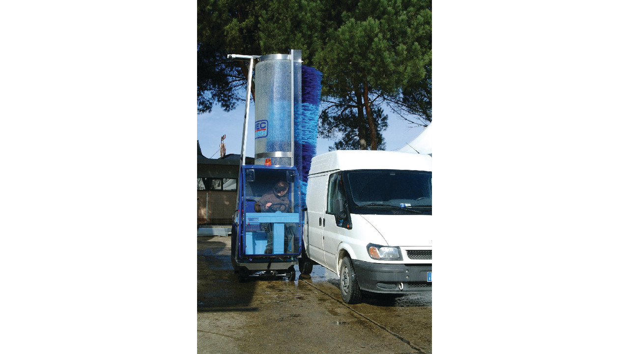 Pony Hybrid Diesel Electric Power Traction Truck Wash Machine