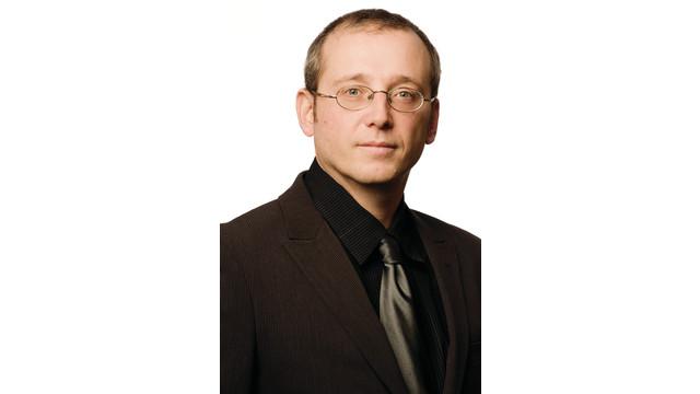 genetec-stephan-kaiser-formal_10772635.psd