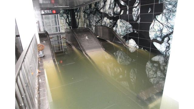mta-escalator_10828583.tif