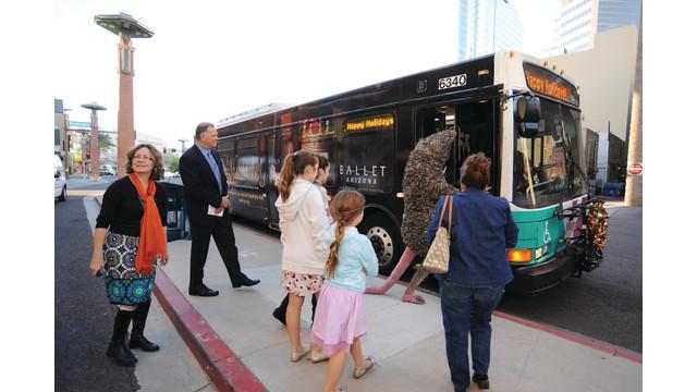nutcracker-bus-2_10842685.psd