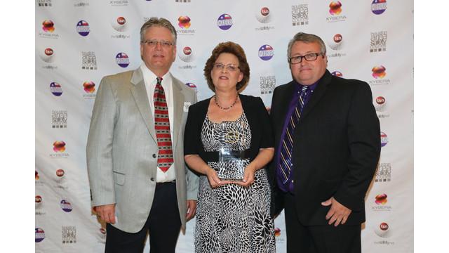 hbr-safety-award-bill-donna-ed_11518735.psd