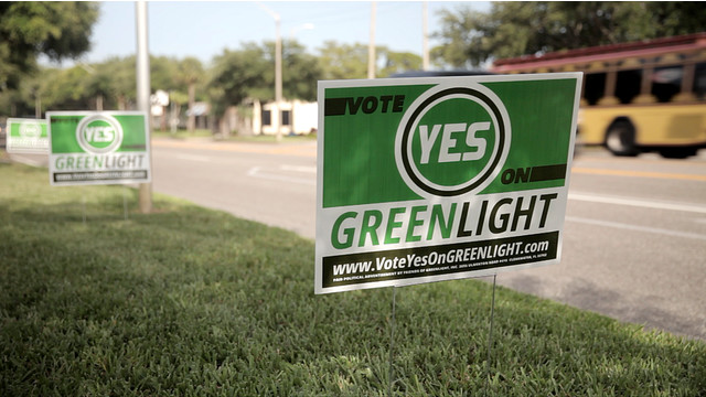 greenlight-yardsign_11581353.psd